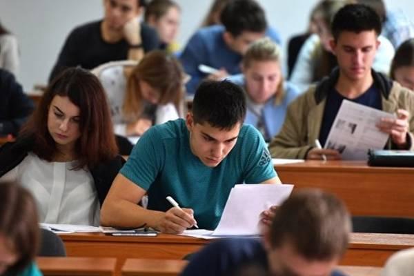Узбекистан Малайзия студенты.